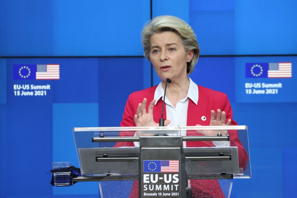 歐盟委員會主席馮德萊恩(Ursula von der Leyen)6月15日在歐美峰會結束後召開新聞會。(KENZO TRIBOUILLARD/AFP via Getty Images)