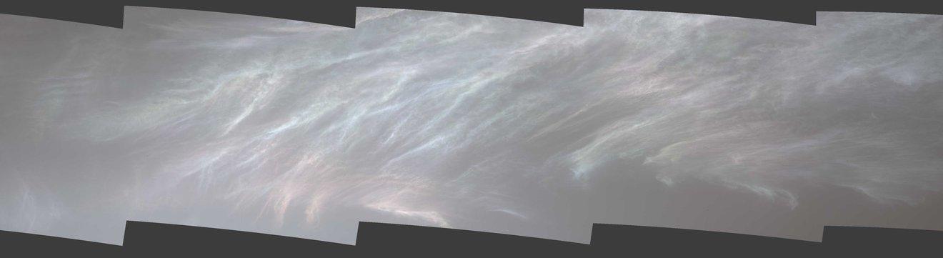 漫遊車桅桿相機於2021年3月5日拍攝的彩虹雲或珍珠母雲。(Credit:NASA/JPL-Caltech/MSSS)