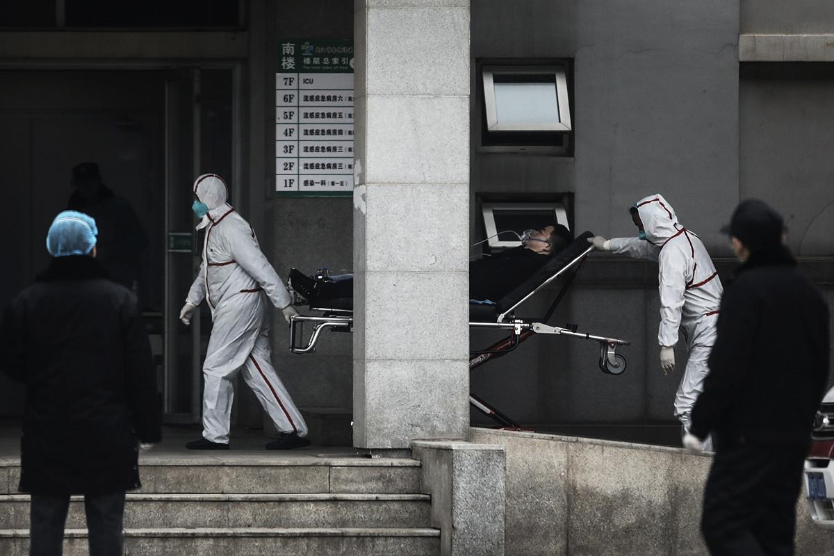 2020年2月17日一位匿名中國作家在英國媒體上發文,披露了中共病毒衝擊下,中國醫護人員和患者的痛苦境地。圖為武漢市金銀潭醫院。(Getty Images)
