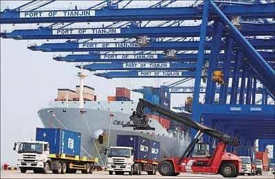 中共肺炎肆虐全球,大陸外貿加工企業受到重創。圖為天津港口。(Getty Images)