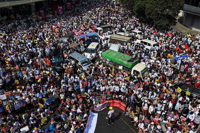 組圖:緬甸全國大罷工 持續抗議軍事政變
