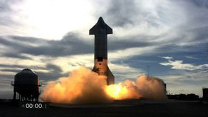 SpaceX星船原型機高空試飛 成功落地後爆炸