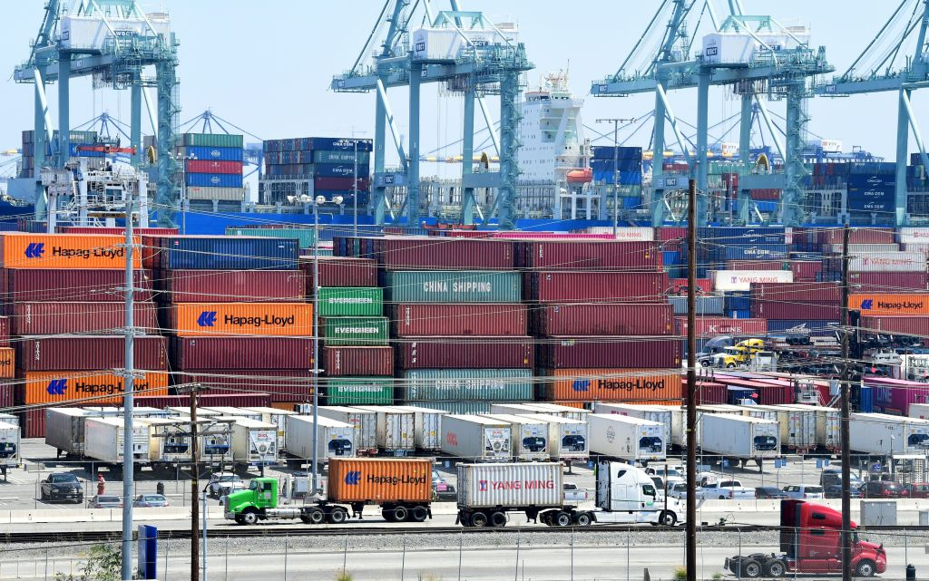 美國6月貿易逆差自2月以來首次下降,出口出現創紀錄增長。圖為示意圖。(FREDERIC J. BROWN/AFP/Getty Images)