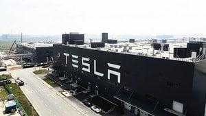 再反轉? 中共官媒規勸Tesla維權女車主【影片】