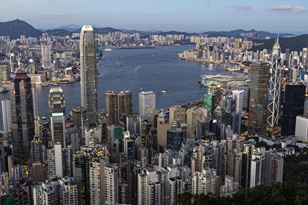 中共向海外公民徵稅45% 員工考慮離開香港