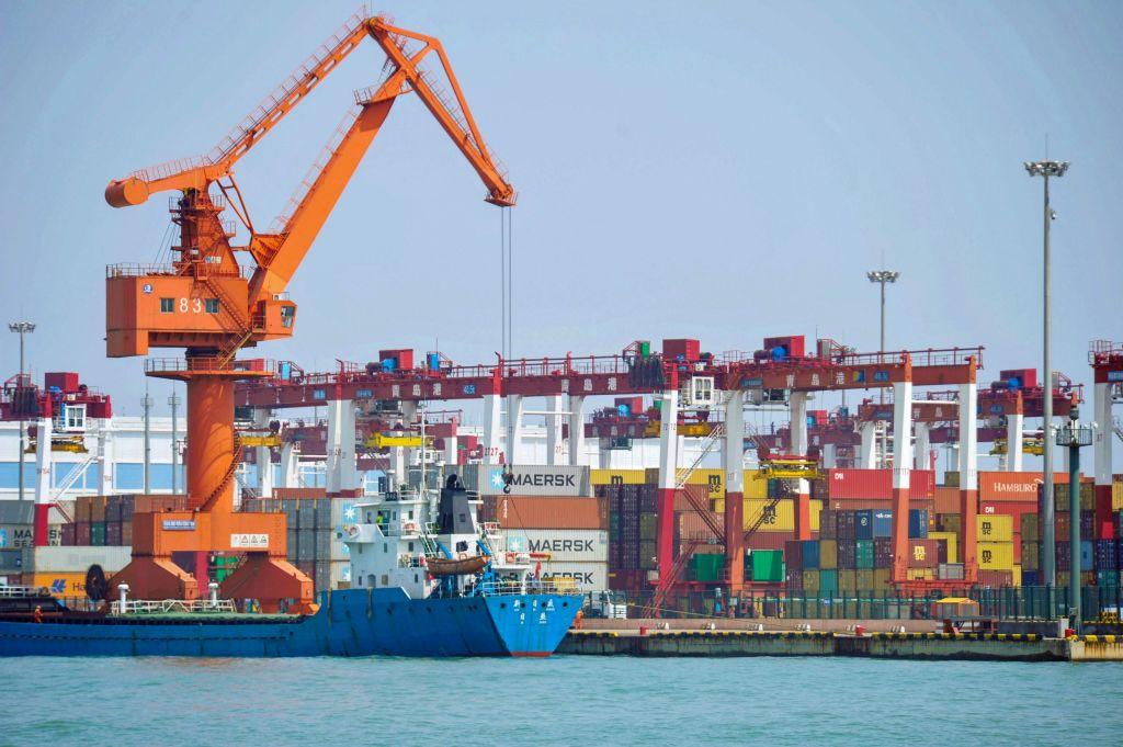 美媒指出,中國的進口量正以從2016年中期以來最快的速度大幅下滑。5月份進口同比下跌8.5%。(STR/AFP/Getty Images)