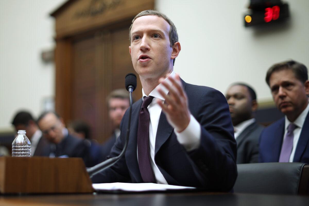 2019年10月23日,在華盛頓國會,Facebook聯合創始人兼行政總裁馬克‧朱克伯格在眾議院金融服務委員會,就數碼貨幣,以及如何處理其用戶的數據和私隱出席聽證會。(Chip Somodevilla/Getty Images)