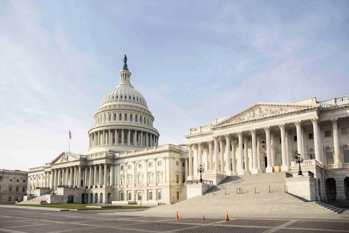 周一(12月28日),美國國會眾議院投票推翻特朗普總統對《國防授權法案》的否決權。圖為美國國會。(Samira Bouaou/The Epoch Times)