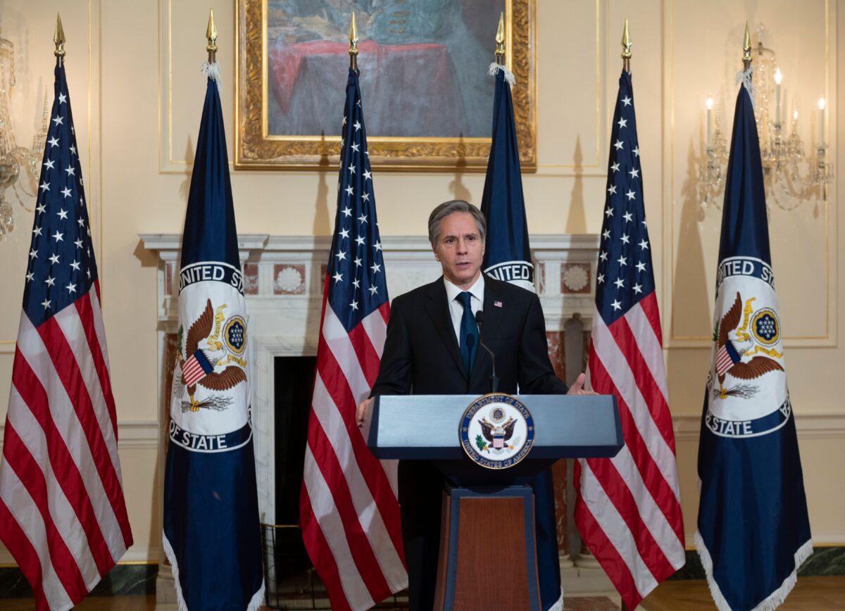 2021年3月3日,美國國務卿安東尼‧布林肯(Antony Blinken)在華盛頓國務院本‧富蘭克林廳就拜登政府的優先事項發表講話。(Andrew Caballero-Reynolds/POOL/AFP via Getty Images)