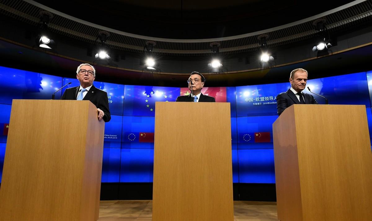 歐盟向美國看齊 要與北京談個好交易。圖為中歐峰會新聞發佈會。(JOHN THYS/AFP)