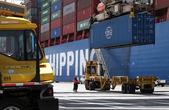 經濟學家俞偉雄認為,中美貿易戰暫時停火、中國政府提出「貨幣寬鬆」和「擴大支出」等利多政策,可能都無法解決中國經濟根本的問題。(Justin Sullivan/Getty Images)