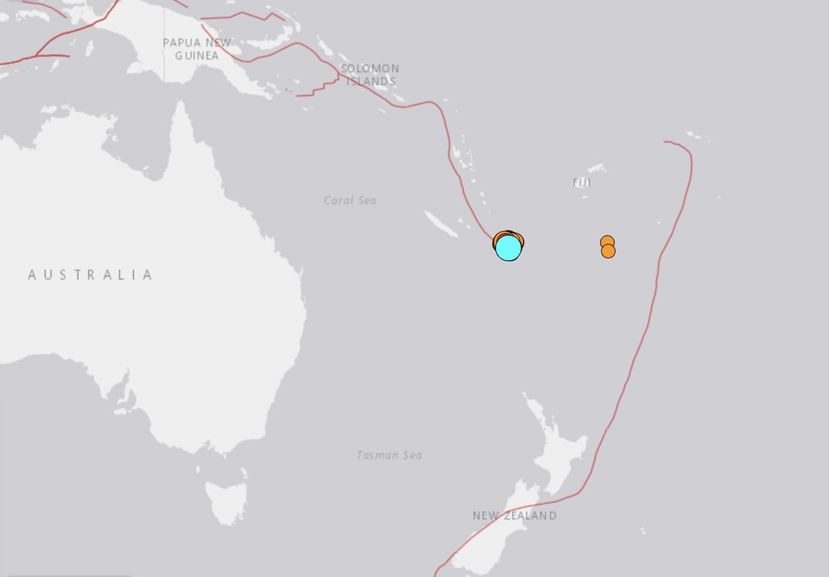根據美國地質調查局,一場7.7級地震發生在當地時間週四(11日)午夜(格林尼治標準時間13:20)在新喀里多尼亞(New Caledonia)的Vao市以東約415公里(258英里)處,深度為10公里(6.2英里)。(USGS)