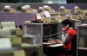 香港傾城抗議 金融界卻沉默 擔心甚麼?