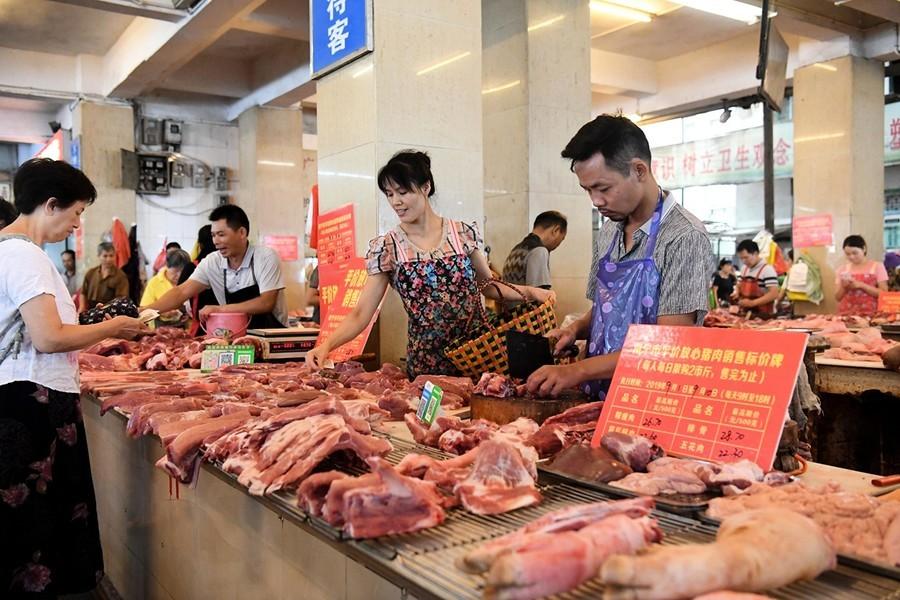 陝西一家超市豬肉打折 兩小時賣出三噸