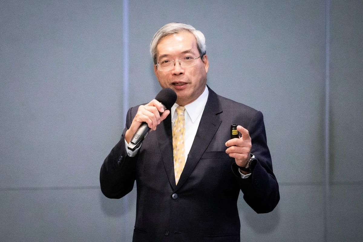 財信傳媒集團董事長謝金河1月15日在工商協進會公亮紀念講座演講。(陳柏州/大紀元)