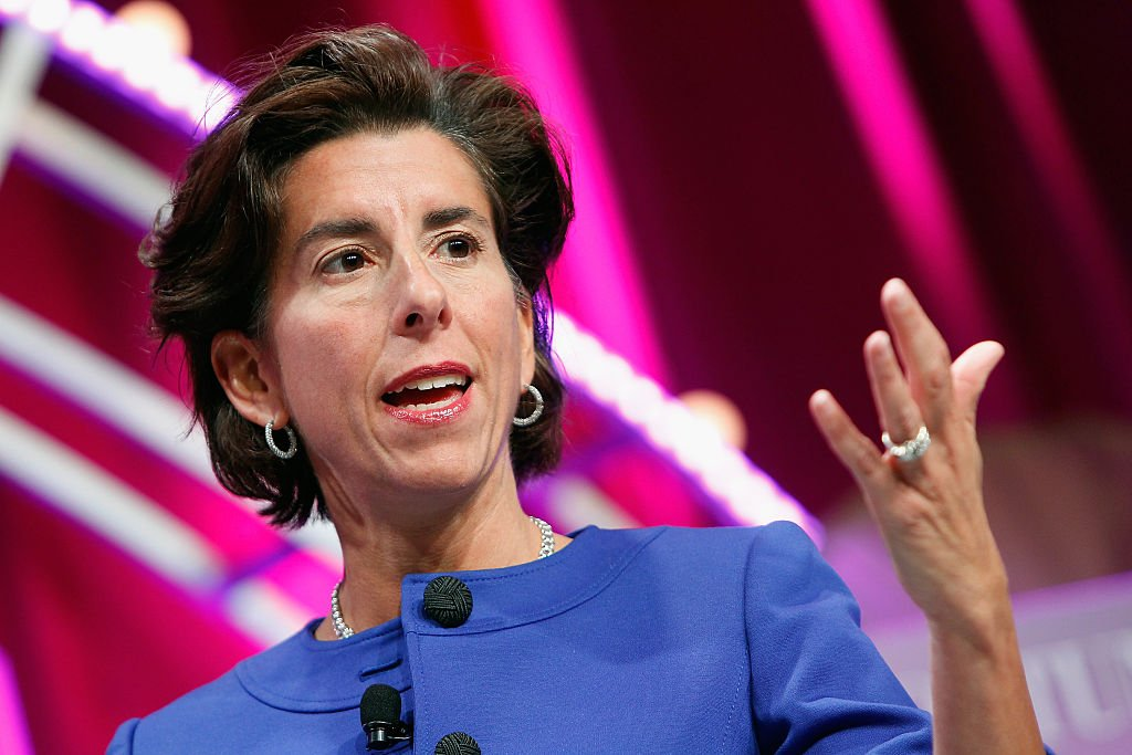 圖為羅德島州州長吉娜·雷蒙多(Gina Raimondo)。(Paul Morigi/Getty Images for Fortune/Time Inc)