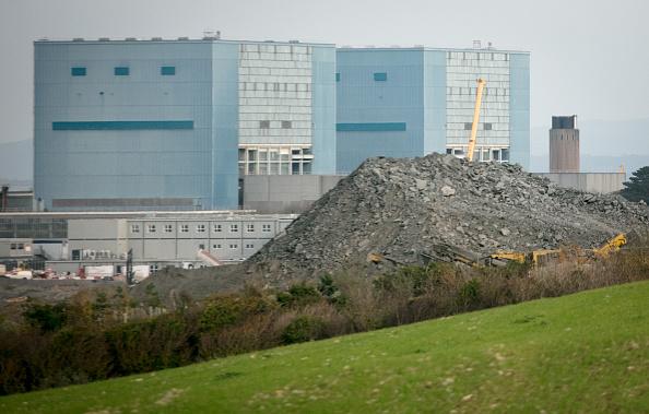 英國《金融時報》2021年7月25日報道,據知情人士透露,英國政府正在考慮將中共國有公司中廣核從英國所有未來電力項目中移除的方法。圖為欣克利角核電站施工場地。(Matt Cardy/Getty Images)