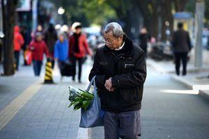 「逼人上絕路」 中共頻扣高齡老人養老金