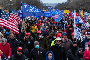 組圖:拯救美國集會遊行 挺特民眾聚集華府