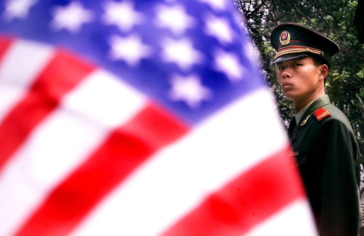 美國白宮高級顧問認為,中美貿易爭端無法用經濟來評估,它實為中共政權攻擊西方體制的戰爭。(STEPHEN SHAVER/AFP/Getty Images)