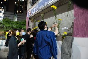 加拿大港人搭建太子站獻花 紀念8.31兩周年