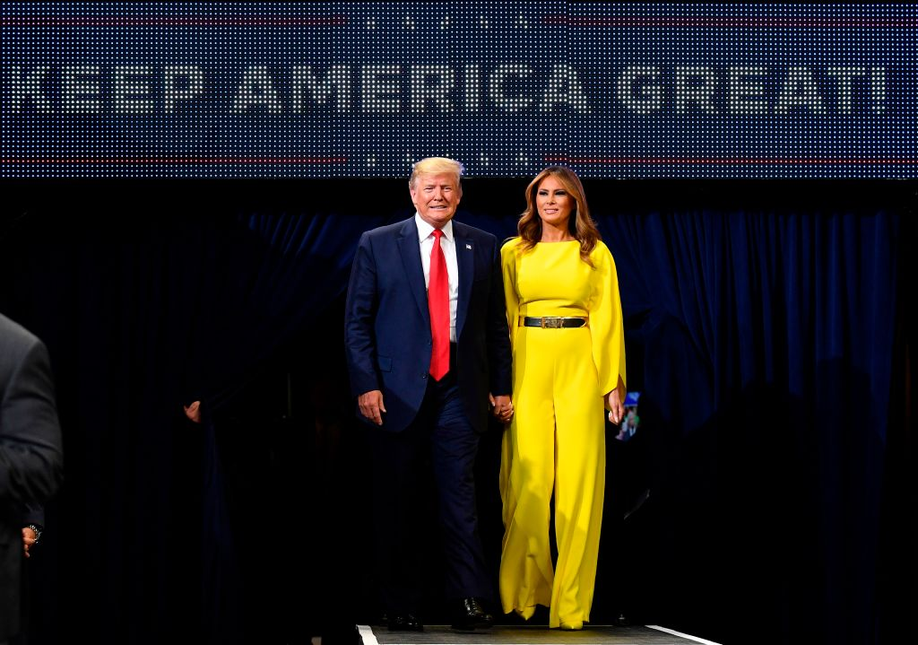 特朗普競選團隊周二(7月2日)宣佈其第二季度競選連任資金,籌集金額總計高達1.05億美元,大幅領先其他對手。(Mandel Ngan/AFP/Getty Images)