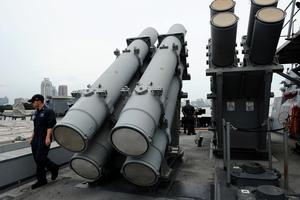 美國冷戰武器今派用場 魚叉反艦導彈