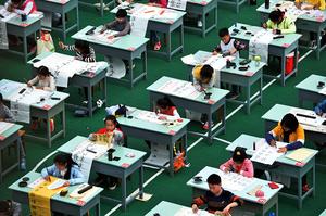 中共打壓課外輔導 北京媽媽:更不想多生娃