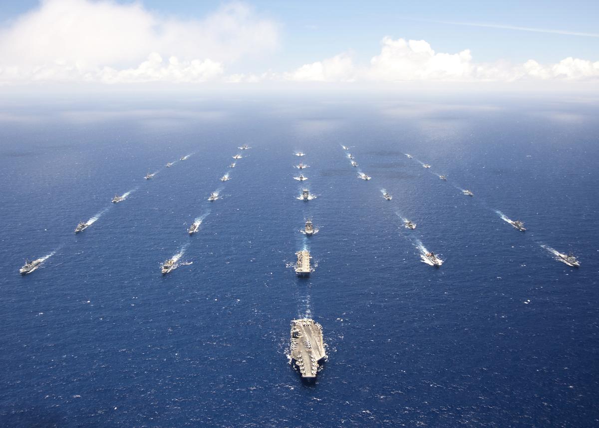 美眾議院9月23日通過法案,邀台灣參與2022環太平洋軍演。圖為2010年的環太平洋軍演。 ( U.S. Pacific Fleet/維基百科)