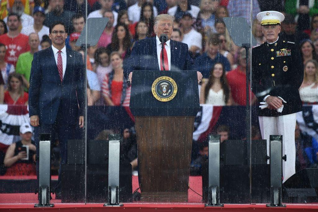 7月4日,美國總統特朗普在林肯紀念堂前國慶閱兵式上發表演講。(BRENDAN SMIALOWSKI/AFP/Getty Images)
