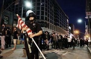 罔顧宵禁令 成千上萬抗議者現美城市街頭