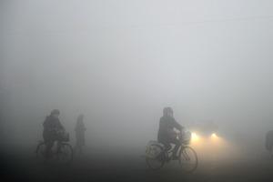 陰霾襲華北 北京82天無雨創37年紀錄