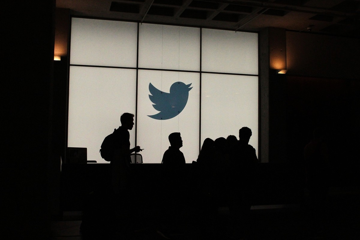 美國社交媒體「推特」,封殺特朗普帳號激起一片反對聲音。(GLENN CHAPMAN/AFP/Getty Images)