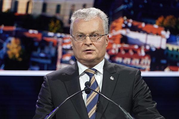 立陶宛總統瑙塞達(Gitanas Nausėda)表示,立陶宛將捍衛民主、法治等原則,不會在與中共、白俄羅斯等國家的爭端上退讓,堅持主權獨立國家有權自行決定與哪一個國家或地區發展經濟、文化關係。(Riccardo Savi/ Getty Images)