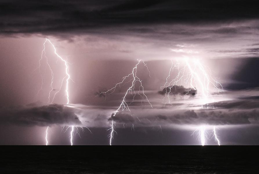 印尼政府發出「極端天氣」警告 促民眾撤離