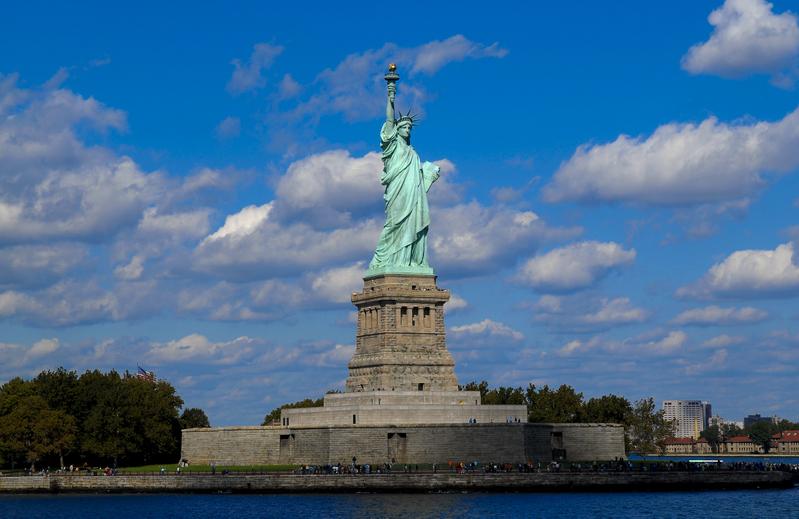 中美在體制上一個是專制體制,一個是民主體制。圖為紐約自由女神雕像。(戴兵/大紀元)