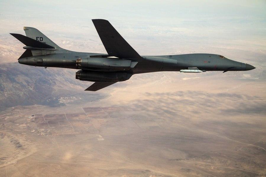 美B-1B轟炸機首次攜高超音速導彈亮相