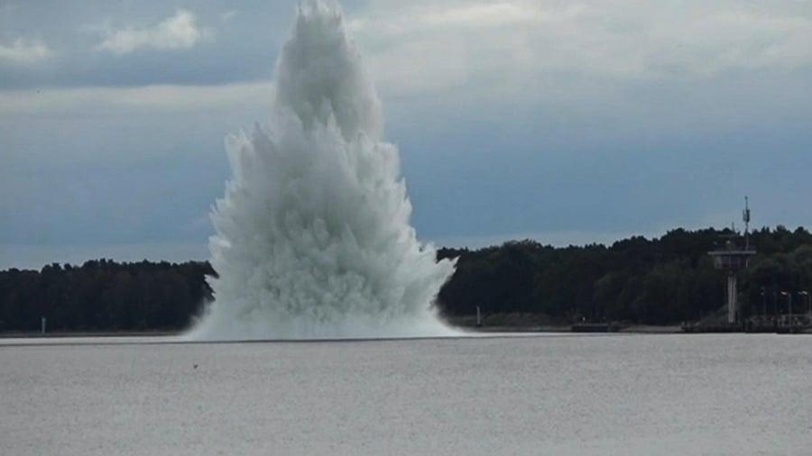 二戰最大炸彈在波蘭被發現 水下拆除時爆炸