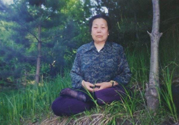 圖:曾患3種癌症的尹玉芝老人。(明慧網)