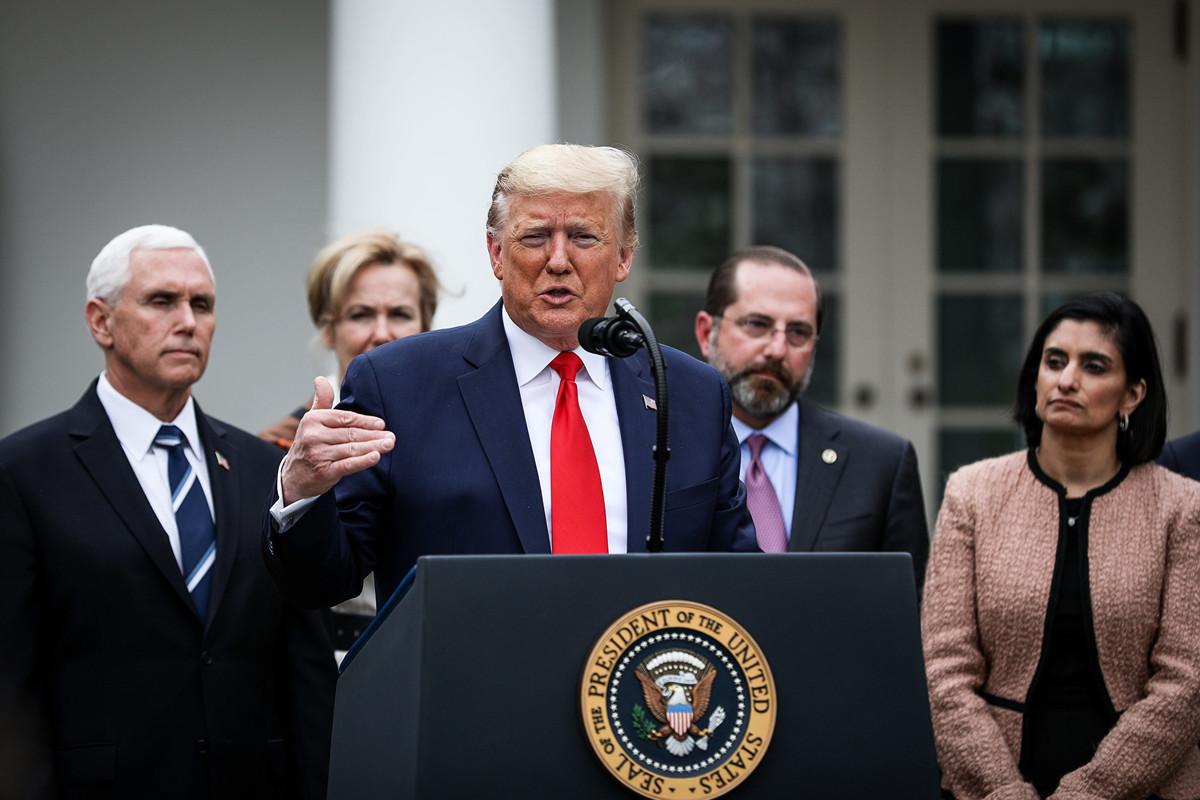 美國總統特朗普2020年4月13日表示,他將與州長和其他官員「一起」作出決定,並且「很快」就會重新開放經濟。圖為特朗普3月13日在白宮宣佈國家緊急狀態。(Charlotte Cuthbertson/大紀元)