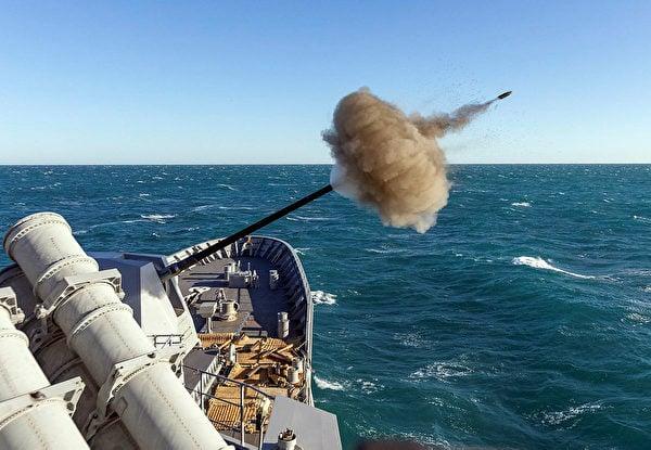 2021年8月29日,美、日、澳、印海軍在菲律賓海進行一年一度的馬拉巴爾(MALABAR)聯合演習。(美國印太司令部推特)