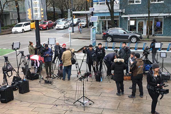 傳獵頭幫華為挖外媒記者做公關 年薪20萬