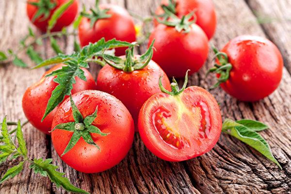 番茄富含番茄紅素,有抗老化、增加免疫力、抗癌防癌、保護心血管等好處。(Shutterstock)
