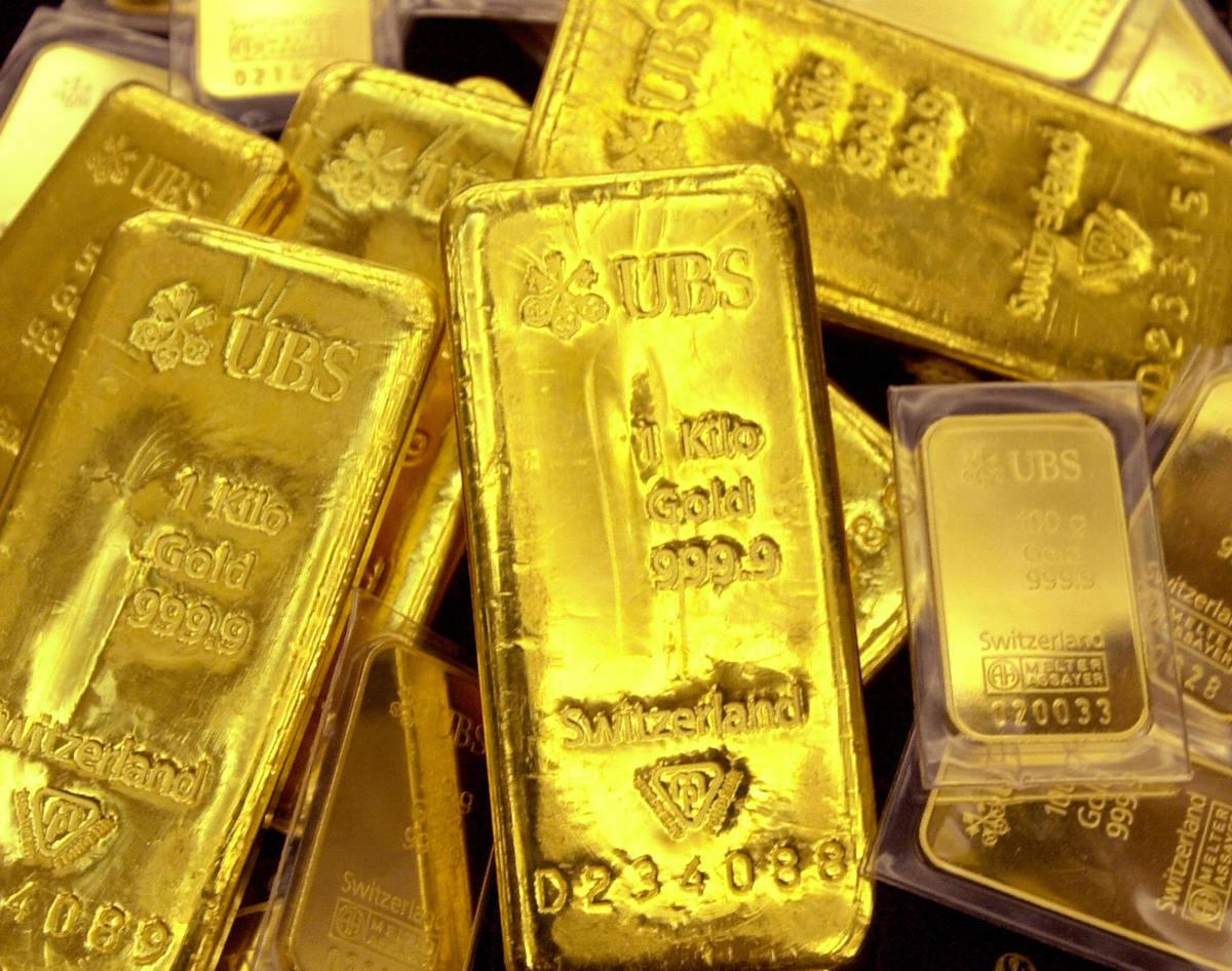 大陸經濟下滑,人民幣貶值,民眾憂資產貶值憂資產貶值,紛紛購買黃金以求保值。(JUNG YEON-JE/AFP/Getty Images)
