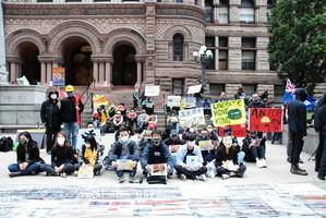 多倫多港人聲援香港反《禁蒙面法》