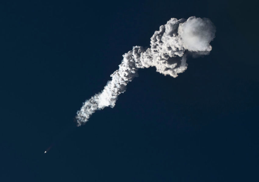 俄太空碎片撞碎中共軍用衛星 北京有何反應