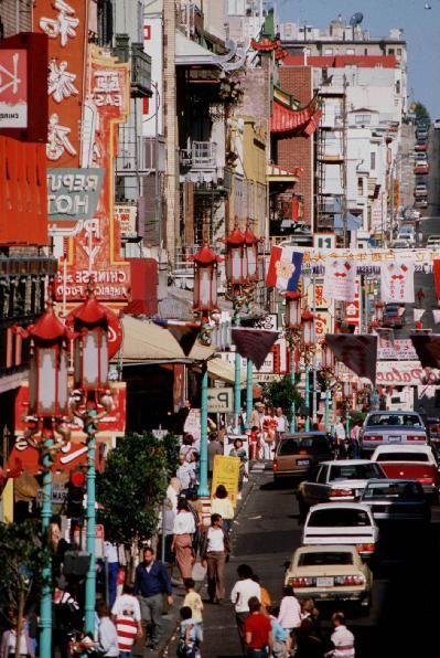 即使在美國最老的唐人街所在地三藩市,中餐館的比例也已從10%下降到了8.8%。圖為三藩市的唐人街(大紀元)
