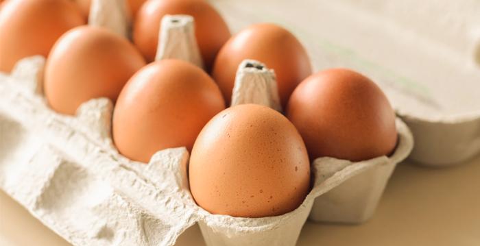 大陸雞蛋價格今年持續下跌,蛋農賠錢賣雞蛋。(Shutterstock)