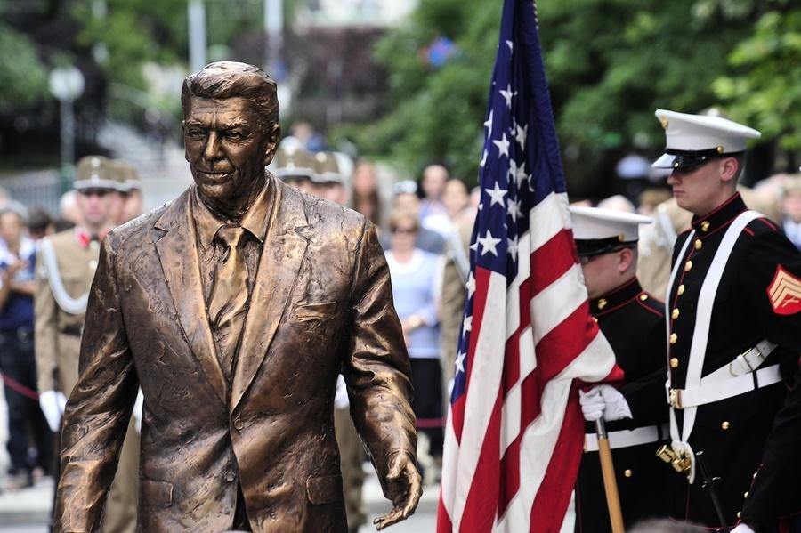 傳奇總統列根(6): 帶領世界進入美國時代