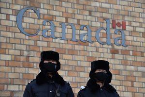 加國北京簽證中心與中共警察有關 政府稱不知情